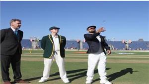 बेंगलुरूटेस्ट  भारत ने टॉस जीत करपहले बल्लेबाजी का फैसला किया