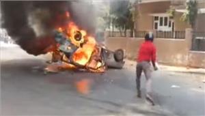 गुजरात में दलितों का विरोध प्रदर्शन मेवाणी को हिरासत में लिया