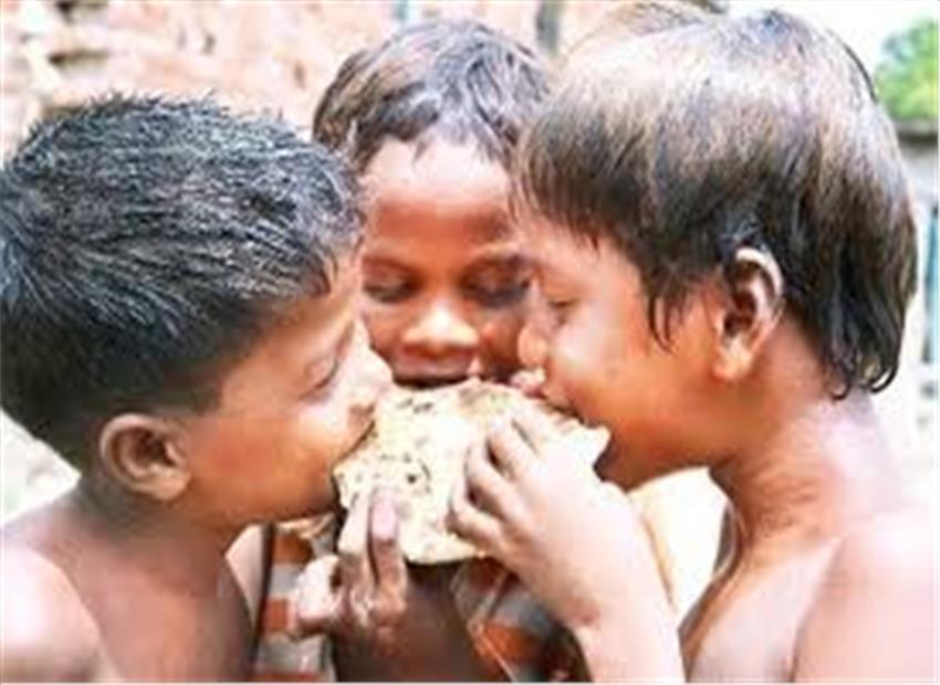 दिल्ली की बस्तियों में भूख और अभाव से संघर्ष