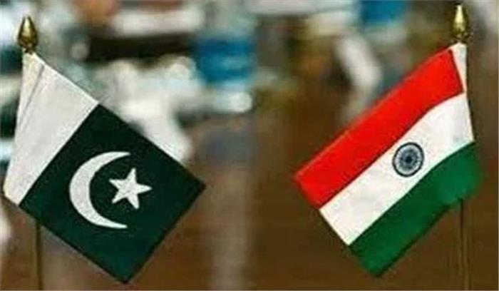 क्या भारत को पाकिस्तान बांट रहा है?