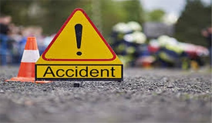 राजगढ़ : यात्रियों से भरी बस पलटने से 18 यात्री घायल