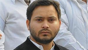 तेजस्वी ने यूपी मेंशराबबंदी लागू करने की मांग की