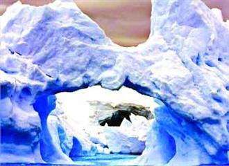 अंटार्कटिक में पड़ती दरार ने बढ़ाया खतरा