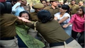 रामजस में पुलिस दुर्व्यवहार के खिलाफ उच्च न्यायालय पहुंचे छात्र