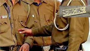 उत्तर प्रदेश अवैध बालू खनन मामले में 5 सिपाही निलंबित