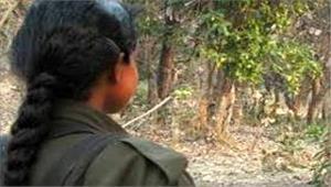 ओडिशा में महिला नक्सली का समर्पण कहा-शिविरों में होता है शोषण