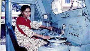 एशिया की पहली महिला मोटरवुमेन मुमताज काजी सम्मानित