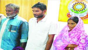 शादी का झांसा देकर राजस्थान में बेचने वाले गिरोह का पर्दाफास