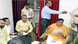 मंत्री महाना ने 166 लोगों की फरियाद सुनी