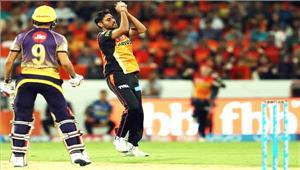 वार्नर की तूफानी पारी के दम पर हैदराबाद ने कोलकाता को 48 रनों से हराया