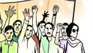 एम्स टीसीएस के कर्मचारी बर्खास्तगी के खिलाफ हड़ताल पर