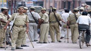 इलाहाबाद में विवाद के बाद स्थिति पर नियंत्रण पुलिस तैनात