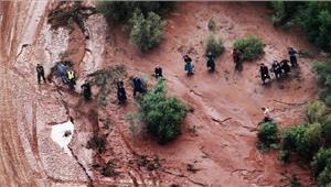 अमेरिका  बाढ़ में फंसे 17 हाइकर्स को बचाया गया