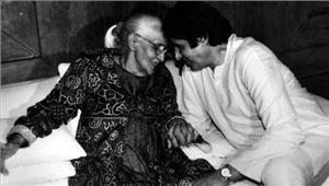 अमिताभ बच्चन ने अपनी मां तेजी बच्चन को दिया स्टाइल का श्रेय