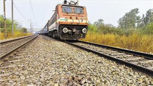 आज़मगढ़ तमसा पैसेंजर ट्रेन पटरी से उतरी कोई हताहत नहीं