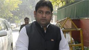 भाजपा के चुनाव प्रचार में पहुंचे आप विधायक