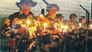 बीएसएफजवानों नेपंजाब सीमा पर मनाई दिवाली