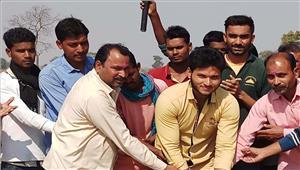 मालीडीह में क्रिकेट स्पर्धा का आयोजन