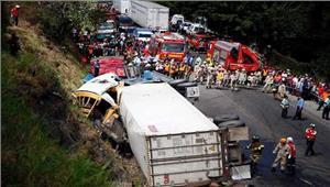 होंडुरासबस-ट्रक की टक्कर में 16 की मौत34 घायल