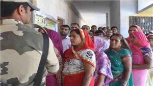 उपचुनाव  फूलपुर में 3739 गोरखपुर में 43 प्रतिशत मतदान