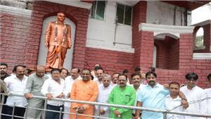 राजधानी वासियों ने किया जयंती पर डॉ श्यामा प्रसाद का स्मरण