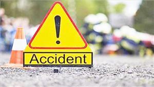 कार के पलटने से एक की मौत चार घायल