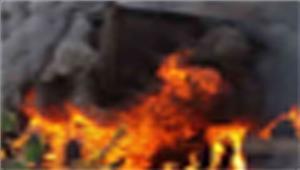 नक्सलियों ने सड़क निर्माण में लगे वाहन जलाए