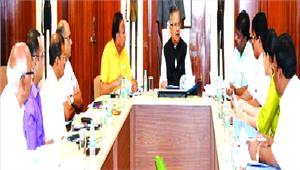 मुख्यमंत्री ने की निर्माणाधीन स्कूल भवनों की समीक्षा