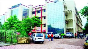 बिलासपुर जिला अस्पताल में अव्यवस्था खामियों से मरीज हलाकान