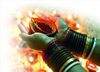 लौकिकता और आध्यात्मिकता का अनूठा पर्व दीपावली