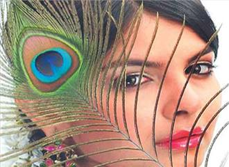 सामाजिक प्रतिबद्धताओं से सजा व्यंग्य संग्रह: शोरूम में जननायक