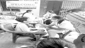 दंत चिकित्सा शिविर में ग्रामीणों ने बढ़चढ़कर लिया हिस्सा