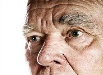 बुजुर्गों में बेचैनी हो सकती है अल्जाइमर रोग का शुरुआती संकेत