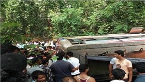 कर्नाटक  बस पलटने से आठ लोगों की मौत 