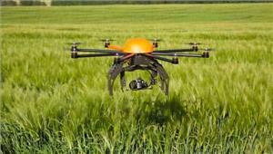 किसान अब खेती में ले रहे हैं ड्रोन का लाभ