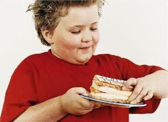 पिता की देखभाल से संभव है बच्चों में मोटापा रोकना
