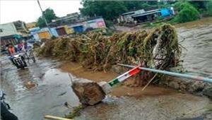 बाढ़ पर मौसमी-चिंतन से कुछ अधिक