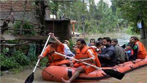 बिहार में बाढ़ ने मचाई तबाही जीवन अस्त- व्यस्त
