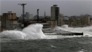 तूफान इरमा ने किया  फ्लोरिडा तट को पार
