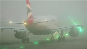 कोहरे की वजह सेलंदन हवाईअड्डे से दूसरे दिन भी उड़ानें रद्द