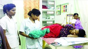 विदेशी महिला ने ट्रेन में दिया शिशु को जन्म