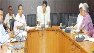 जीएसटी के संबंध में कलेक्टर ने ली अधिकारियों-व्यापारियों की बैठक