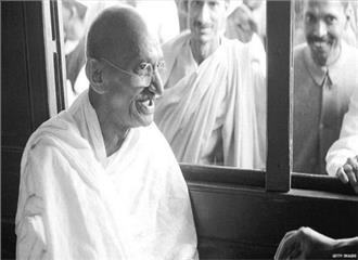 गांधी के विचारों को प्रतिष्ठित करने की जरूरत