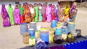 गरगट्टी की महिलाओं ने जब्त कराई शराब बनाने की लाहान