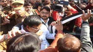 गायत्री प्रजापति को 14 दिनों कीन्यायिक हिरासत में भेजा गया