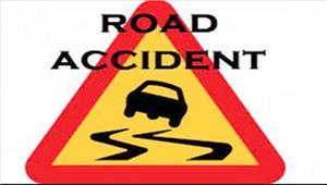बस और ट्रक की टक्कर में बस चालक की मौत14 घायल