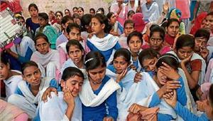 बेटियों के आगे झुकी खट्टर सरकार