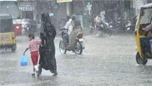 भारी बारिश से जनजीवन प्रभावित