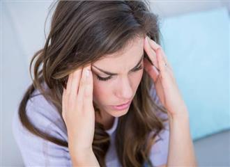 हार्मोन थेरेपी माइग्रेन से पीड़ित महिलाओं के लिए सुरक्षित