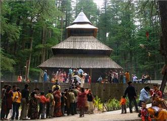 होटलों का शहर  हिडिंबा का मंदिर